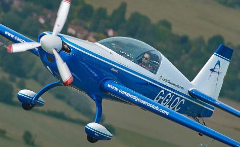 Extra 200 flight