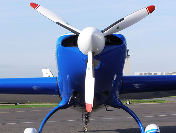 Extra 200 static front