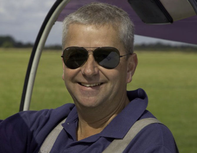 Rob Bryce-Smith - Freelance Flying Instructor